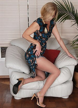 Free MILF Moms Porn Pictures